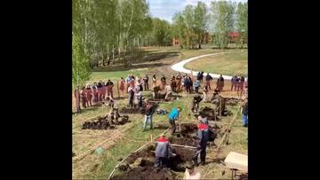 Rosja: odbyły się zawody w kopaniu mogił na czas
